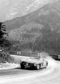 Eberhard Mahle  mit MB 300 SL Roadster (c) drivestyle.jpg