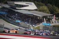 DTM Spielberg Start (c) Philip Platzer Red Bull Content Pool.jpg